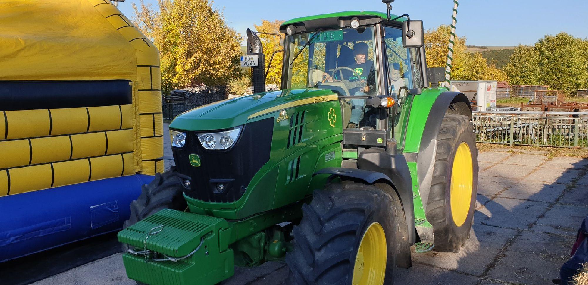 Traktorrundfahrten zum Herbstmarkt in Clausnitz
